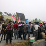 Pendemo Tuntut  ,Kadis BMP,Kepala Bapeda serta ketua Pokja Kontruksi Di Copot