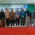 Drs H Syamsuar MSi, menjadi nara sumber dalam Seminar dan Rakorwil Forum Komunikasi Mahasiswa