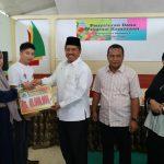 Sebanyak 8 orang pelaku usaha yang sekaligus mitra binaan PT Perkebunan Nusantara V (PTPN Persero), menerima bantuan dana program kemitraan