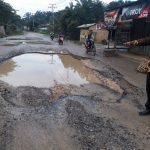Truk muatan berat penyumbang terbesar kerusakan jalan
