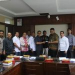 Pertanyakan Alokasi anggaran untuk Meranti, Komisi 2 DPRD Meranti lakukan konsultasi ke Bappeda Litbang Riau.