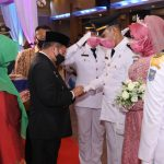 Plh. Bupati Bengkalis Pimpin Prosesi Purna Praja Pasangan Muhammad Syahril Rahman dan Illu Prima Donna