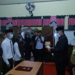 Lantik Anggota Bapekam Kecamatan Mempura, Bupati Alfedri Harapkan Kerjasama Semua Unsur Pemerintahan Kampung