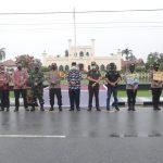 Hadiri Launching Gerakan 1000 Masker di Siak,  Bupati Alfedri : Bersama Forkopimda Pemda Komit Laksanakan Upaya Putus Rantai Penyebaran Covid.