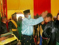 Bupati Siak Alfedri Hadiri Pengukuhan Pemangku adat 9 Kepala Suku Kampung