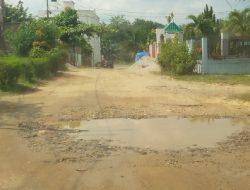 Tak Pernah Salurkan Bantuan Perbaiki Jalan Jalan Bambu Kuning Rusak APK Kebun Meranti Suruh Masyarakat Buat Proposal