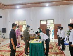 Bupati Siak Alfedri lakukan Pelantikan dan Pengambilan Sumpah Jabatan Badan Permusyawaratan Kampung Perawang Barat